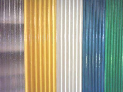 Telhas coloridas de fibra
